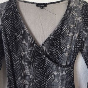 Express Dresses - Express fitted dress snakeskin XS long sleeve wrap